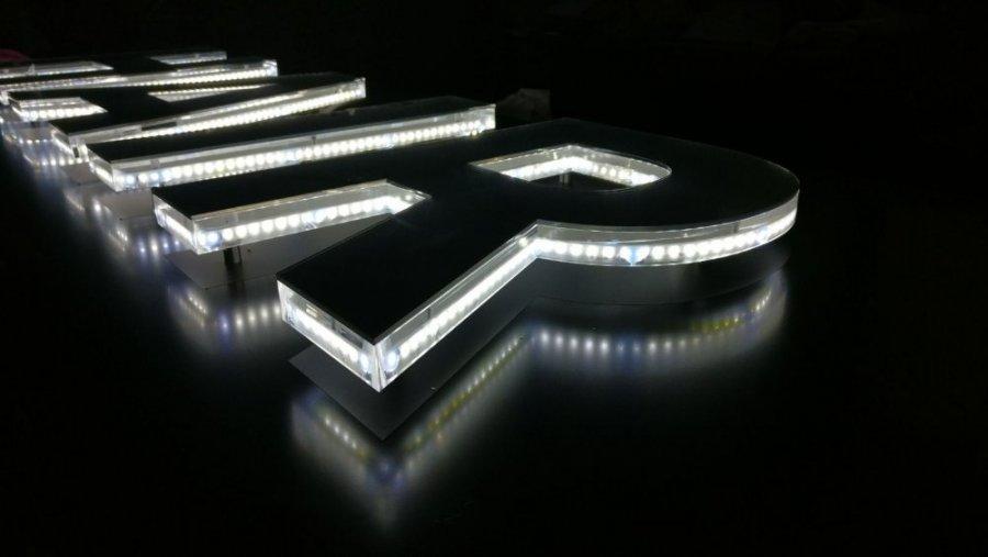Massello illuminazione led servizi e progettazione romana neon
